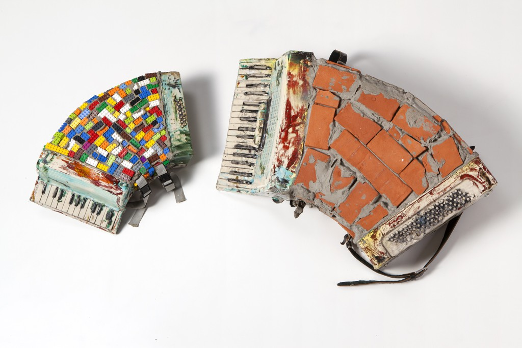 2013. Ceramics, textile, leather, bricks, legos. Photo by Josef Schauer-Schmidinger.